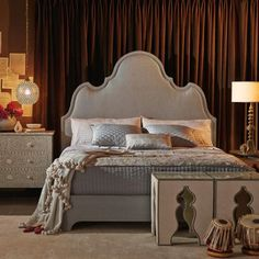 Upholstered Platform Bed | Bernhardt