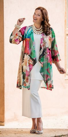 La mia scelta nel campo della moda, per stile ed eleganza, anche taglia XL. Ninni.                    Kasbah multi floral voile waterfall jacket