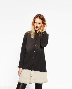 Image 2 de CHEMISE EN JEAN LONGUE de Zara