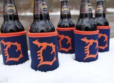 These Michigan D deluxe insulated neoprene koozies make great stocking stuffers! FREE SHIPPING over $50! Livnfresh.com