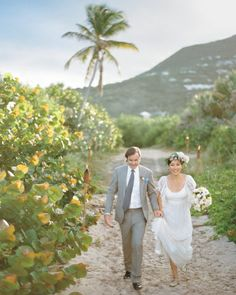 The ultimate wedding songs for a destination wedding