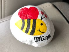 Star Painting, Pebble Painting, Pebble Art, Rock Painting, Painting & Drawing, Fun Crafts To Do, Valentine Crafts For Kids, Valentine Decorations, Be My Valentine