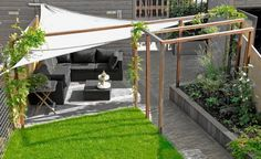 contemporary garden pergola with sun sail - Leuke moderne tuin, waarvan de pergola zeker bruikbaar is in onze tuin! Pergola Patio, Backyard Landscaping, Pergola Kits, Pergola Ideas, Pergola Designs, Back Gardens, Outdoor Gardens, Gazebos, Contemporary Garden
