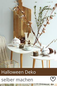 Da ein schlichter Kürbis als Herbstdeko noch nicht ganz unseren Vorstellungen entspricht, haben wir uns ein einfaches Do It Yourself überlegt, indem Ihr klassische und stilvolle Herbstdeko mit kreativer Halloweendeko vereinen könnt.