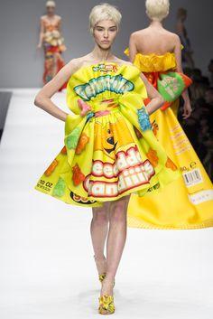 44b78858296 2014-15秋冬プレタポルテコレクション - モスキーノ(MOSCHINO) ランウェイ|コレクション(ファッションショー)|VOGUE JAPAN