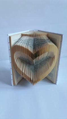 Book Art. DIY. Handmade. Libros de Artista.Libro artístico. Libro modificado.Libro intervenido.  Book Folding