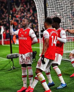 Arsenal Fc, Arsenal Official, Arsenal Football, Football Celebrations, Arsenal Wallpapers, Cristiano Ronaldo Lionel Messi, Great Team, Sports Pictures, Dna