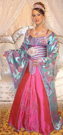 caftán marroquí de alta costura Sari, Fashion, High Fashion, Women, Saree, Moda, Fasion, Saris, Trendy Fashion