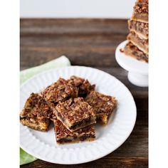 Chocolate Chip Pecan Pie Bars http://littlekit.ch/piebars #ontheblog they are amazing & I'm making them again today to serve tmrrw!! ❤️❤️ #GetYourBettyOn @bisquick #thelittlekitchenrecipes