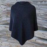 Strikkeopskrift poncho-Elegante Emma-køb online på hannelarsenstrik.dk Knitting For Beginners, Facon, Cardigans, Sweaters, Womens Scarves, The Dreamers, High Neck Dress, Turtle Neck, Plus Size