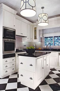 Black and White Kitchen Floor Idea. Black and White Kitchen Floor Idea. Black and White Kitchen and Dining Rooms Classic Kitchen, New Kitchen, Kitchen Small, Kitchen Paint, Black Kitchens, Cool Kitchens, Small Kitchens, Kitchen Interior, Kitchen Decor