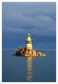 endless blue - Phare de l'île de Bréhat - Ile-de-Brehat, Bretagne