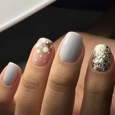 Latest nail trends the furry nails have taken the nails art to a whole new level. Hair And Nails, My Nails, Nagellack Trends, Nagel Gel, Nude Nails, Glitter Nails, Sparkle Nails, Creative Nails, Nail Arts