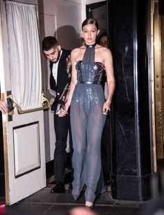 Gigi Hadid Photos - Gigi Hadid and Zayn Malik departs The Carlyle on May 2, 2016 in New York City. - 'Manus x Machina: Fashion in an Age of Technology' Costume Institute Gala - Sightings