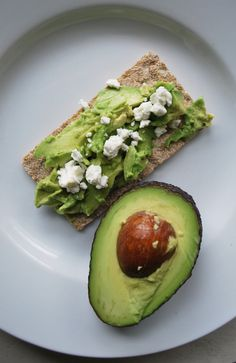 The Art of Homemaking: Bye Bye Baby Weight Hello Avocado and Goat Cheese