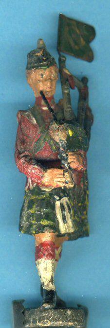 Elastolin –schottischer Dudelsackspieler marschierend 10 cm –selten
