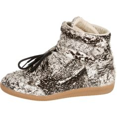 Pre-owned Maison Martin Margiela Future Ponyhair Sneakers (930 CAD) ❤ liked on Polyvore featuring shoes, sneakers, pattern prints, ivory shoes, high top sneakers, velcro shoes, hi tops and pony hair sneakers