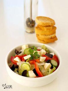 salata greceasca Fruit Salad, Recipes, Food, Fruit Salads, Recipies, Essen, Meals, Ripped Recipes, Yemek