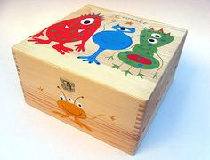 XXL children's personalised memory box Funky alien | Etsy Personalised Memory Box, Wooden Memory Box, Tooth Box, Tooth Fairy Box, Alien Design, Bird Design, Wedding Memory Box, Birthday Cards For Women, Monster Design