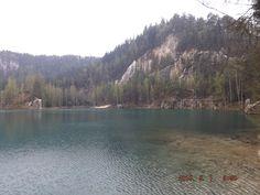 Szmaragdowe Jezioro w Skalnym Mieście