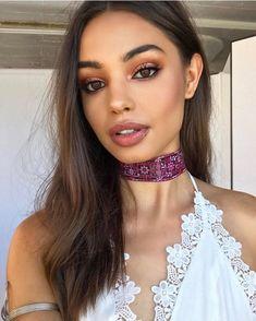 Nude Lipstick and bronzed skin