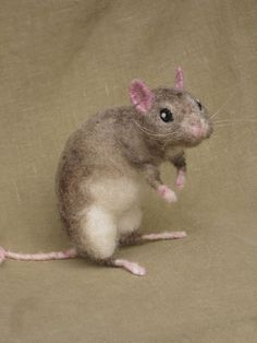 Needle felted rat pose-able pet van Ainigmati op Etsy