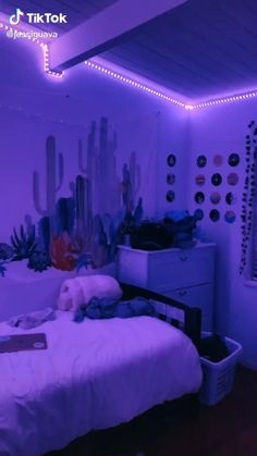 Night Beauty Routine, Night Routine, After School Routine, School Routines, Iphone Background Wallpaper, Aesthetic Iphone Wallpaper, Bedroom Inspo, Bedroom Decor, The Glow Up
