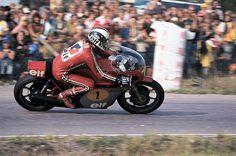 Phil Read, MV Agusta Motorcycle Racers, Racing Motorcycles, Vintage Motorcycles, Mv Agusta, Moto Guzzi, Road Racing, Champions, Vintage Racing, Sport Bikes
