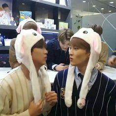 marhyuck is actually too cute Dream Chaser, Best Friendship, Wattpad, Mark Lee, Rich Kids, Childhood Friends, Boyxboy, Loving U, Taeyong