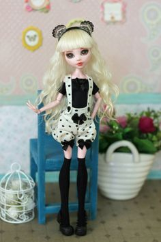 Outfit for Monster High / EverAfterHigh Blythe от ElenaShowRoom Monster High Doll Clothes, Custom Monster High Dolls, Doll Clothes Barbie, Custom Dolls, Handmade Clothes, Diy Clothes, Bjd, Christmas Tree Dress, Stain On Clothes