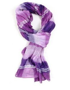 With the cold weather on its way, check out some fun ways to tie scarves. #RadiantOrchid ☮k☮
