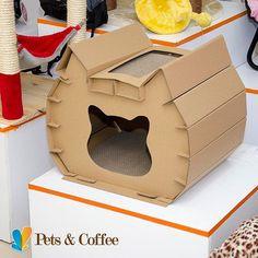 La perfecta guarida para un felino misterioso, donde además puede rascar sus uñas sin dejar ningún desastre por la casa. Encuentra este y otros productos en nuestra #PetShop #PetsAndCoffee www.petscoffee.com
