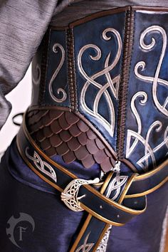 This listing is for a wonderfull elven corset made in the thudor style. Its intricate carvings really gives it the perfect elf look. It can be worn with a dress, a skirt or just over one of our viking tunics :) The corset is made of veg. leather and Leather Armor, Leather Corset, Lotr, Viking Tunic, Cyberpunk, Gn, Fantasy Dress, Medieval Fantasy, Medieval Gown