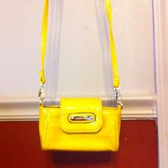 Great little yellow Anne Kline bag Great little yellow Anne Kline bag Anne Klein Bags