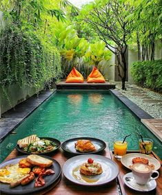 Breakfast at the pool Bali Indonesia Photo by Small Backyard Pools, Small Pools, Swimming Pools Backyard, Swimming Pool Designs, Backyard Landscaping, Backyard Ideas, Landscaping Ideas, Lap Pools, Indoor Pools
