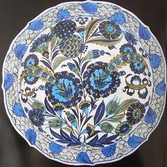 Şam İşi (シャム・イシ) / ダマスカス手 Glazes For Pottery, Ceramic Pottery, Pottery Art, Cradle Of Civilization, Glazed Tiles, Turkish Art, Ceramic Materials, Pottery Designs, Pottery Making
