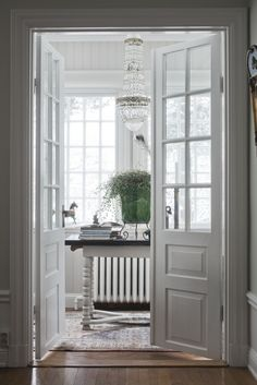 Saltsjöbaden, swedish interior | Stylist Mari Strenghielm Photo Lina Östling