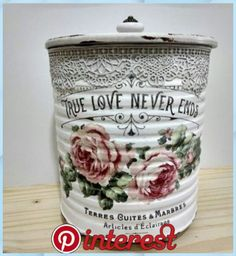 Decoupage Tins, Decoupage Vintage, Vintage Tins, Tin Can Crafts, Jar Crafts, Diy And Crafts, Bottles And Jars, Mason Jars, Shabby Chic Accessories