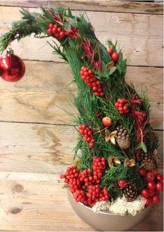 Christmas point hat - Christmas floral art workshop ~ Christa Snoek