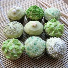Green tea cupcake designs, no recipes; just picture Green Tea Cupcakes, Pretty Cupcakes, Creative Cakes, Creative Food, Mini Cakes, Cupcake Cakes, Baby Cakes, Cup Cakes, Cupcakes Bonitos