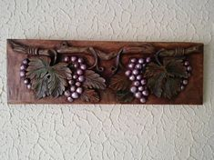 Woodcarving Grapes