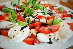 Tomate-Mozzarella Tomate Mozzarella, Caprese Salad, Food, Meals, Insalata Caprese