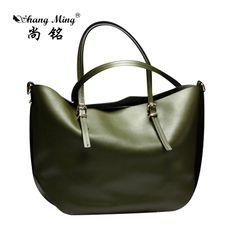26 Best Handbags Luxury Fashion images  e2f6b44ae1a5e