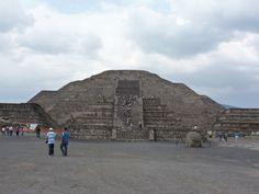 Piramides de Teotiuhacan. Mexico DF.