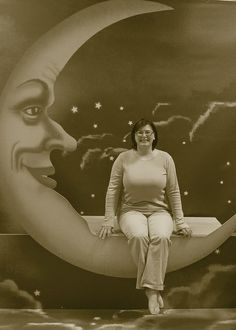 Paper Moon Photo backdrop! by pejnolan, via Flickr @Joel Freixas Freixas Crowley we can whip this up for the french film festival, right?!?!