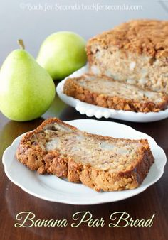 This Banana Pear Bread is an easy breakfast or snack, and the crunchy brown sugar cinnamon topping puts it over the top delicious! Pear Bread, Fruit Bread, Dessert Bread, Pear Quick Bread, Apple Bread, Pumpkin Bread, Asian Pear Recipes, Just Desserts, Breads
