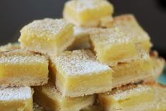 These Lemon Bars from Ina Garten are hands down the most delicious and decadent dessert Lemon Recipes, Baking Recipes, Dessert Recipes, Dessert Ideas, Barefoot Contessa, Savoury Cake, Dessert Bars, Clean Eating Snacks, Delicious Desserts