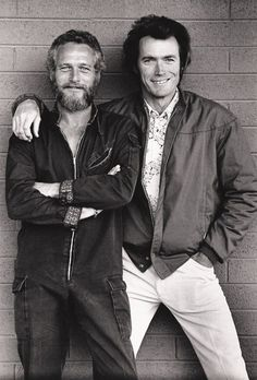Paul Newman and Clint Eastwood There's more testosterone there than ARod could ever shoot into his ass. Oh, yeah. Only Paul Newman can make that outfit look that good! Hollywood Stars, Classic Hollywood, Old Hollywood, Hollywood Icons, Trendy Mood, Trendy Style, Photos Rares, Actrices Hollywood, Rare Photos