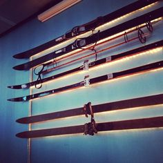 Lötschberg wall deco: old school country skis