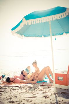 Retro beach day from Acqua Photo | 100 Layer Cakelet